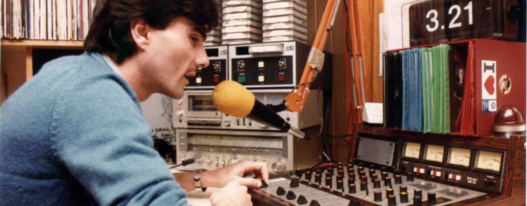93.2FM - Echale Salsita (2)